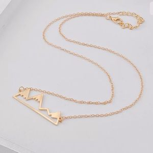 Jewelry - NWT • gold mountain necklace
